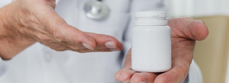 CFM aprova colocação do nome do laboratório na prescrição do medicamento genérico